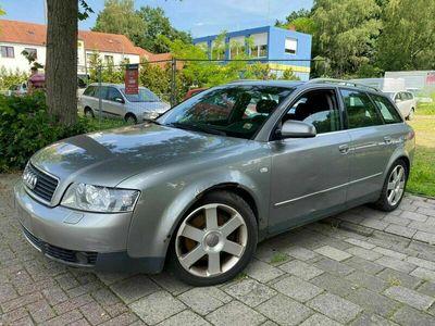 gebraucht Audi A4 Avant 2.5 TDI V6 als Kombi in Bad Fallingbostel