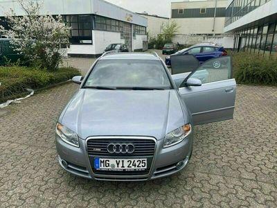 gebraucht Audi A4 2.0 tdi 140ps
