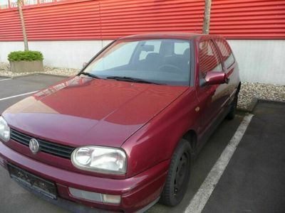 gebraucht VW Golf 3TDI (90ps)