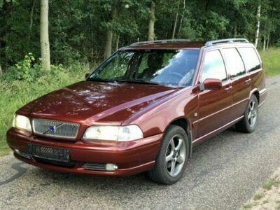 used Volvo V70 2.4 2000 238.000km!