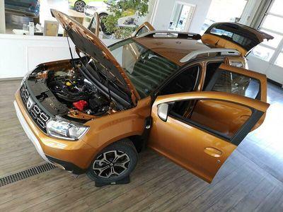 gebraucht Dacia Duster Prestige Tce 100 LPG+NAVI+R-KAM+PDC+TEMP+
