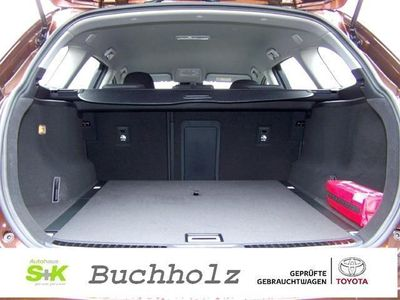 gebraucht Toyota Avensis Touring Sports 1.6 D Comfort Navigation