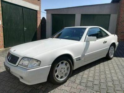 käytetty Mercedes 280 SLDas Geschenk zu Ostern