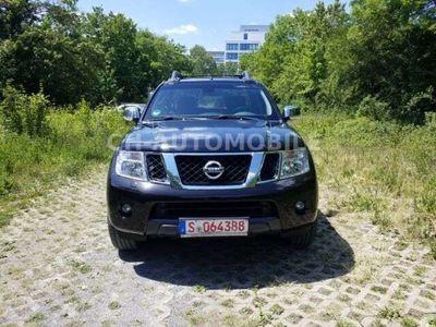 gebraucht Nissan Navara Pick-Up Double Cab LE 4X4/83000km