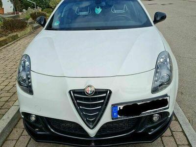 gebraucht Alfa Romeo Giulietta 1.8 TBi 16V TCT Quadrifoglio Verde als Limousine in Ditzingen