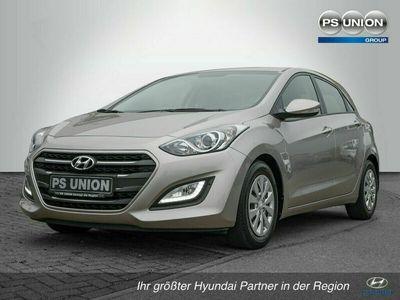 gebraucht Hyundai i30 1.4 Trend Navigation / Kamera / Allwetterreifen