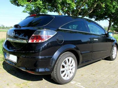 gebraucht Opel Astra GTC 1.4 Selection 110 Jahre