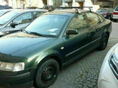gebraucht VW Passat Limousine, royalgrün perleffekt ...