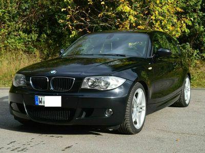 gebraucht BMW 120 Coupé i-M-Paket-MOTOR NEU-LEDER-PDC- als Sportwagen/ in Wuppertal