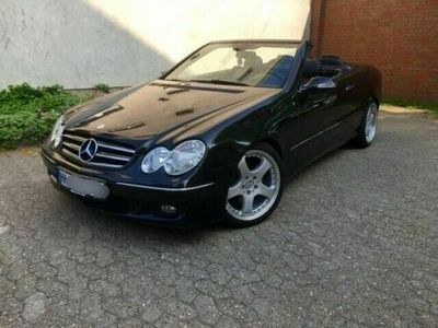 käytetty Mercedes CLK280 ACHTUNG Motor-Kontroll-Leuchte an.