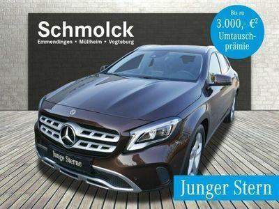 gebraucht Mercedes GLA200 URBAN/LED/AHK/KAMERA/AUTOM/MEDIA/BUSINES