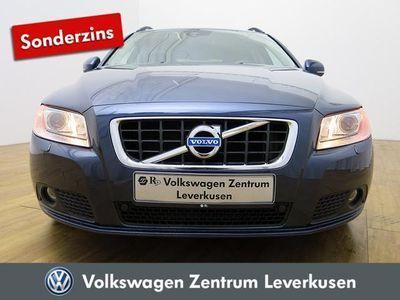 gebraucht Volvo V70 D5 Momentum GEARTRONIC NAVI LEDER XENON NAVI - Leder,Klima,Xenon,Sitzheizung,Alu,Servo,