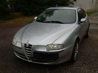 gebraucht Alfa Romeo 147 1.6 Twin Spark ECO Distinctive, Tüv neu!