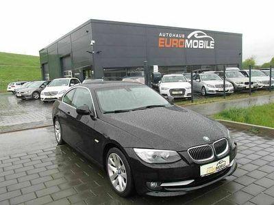 gebraucht BMW 330 Neu d Coupe*Bi-Xenon*AHK*1.Hand*Navi*