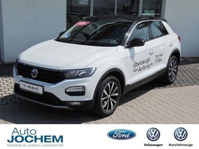 gebraucht VW T-Roc Style 4Motion DSG Navi ACC Allrad PDCv+h Fernlichtass.