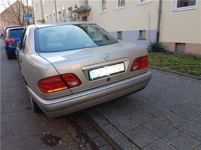 gebraucht Mercedes E220 Classic