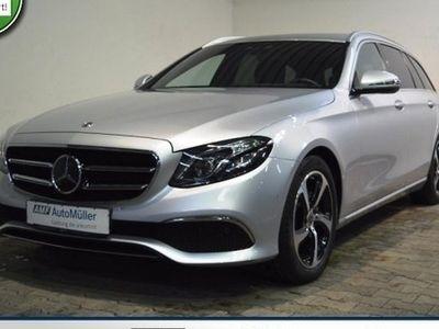 gebraucht Mercedes E300 d Avantgarde AUTOM.+COMAND+LED+DISTRONIC