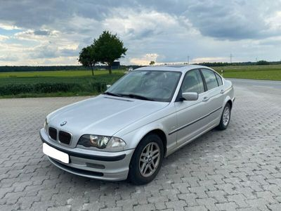 gebraucht BMW 320 i Limousine *Xenon*Schiebedach*Klimaautomatik