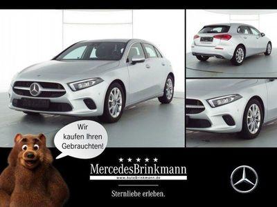 gebraucht Mercedes A180 Kompaktlimo PROGRESIVE/LED/COMAND/MBUX/SHZ