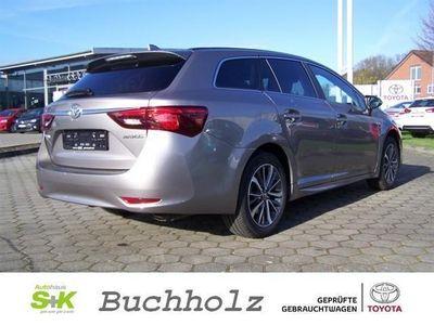 gebraucht Toyota Avensis Touring Sports 1.8 Comfort Sitzheizung