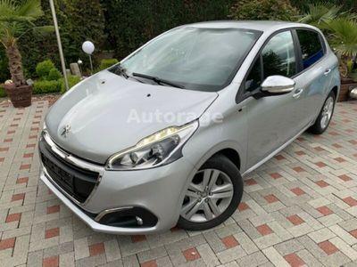 käytetty Peugeot 208 1.6 BlueHDi 100 EURO6 Klima Touch GARANTIE