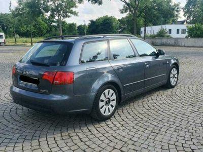 gebraucht Audi A4 TDI 2.0 8-fach bereift grüne Plakette
