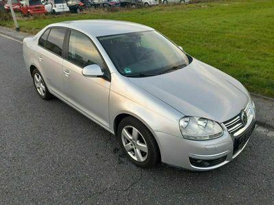 gebraucht VW Jetta V United 1.6 102 PS BENZIN