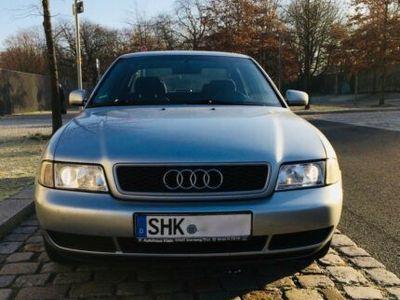 gebraucht Audi A4 B5 1,8 Zahnriemen gemacht, zum Herrichten oder Schlachten