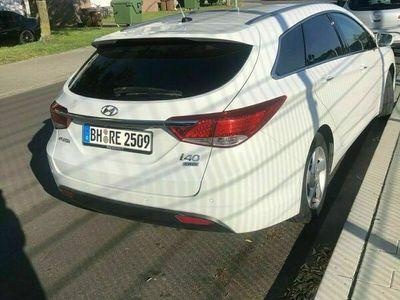 gebraucht Hyundai i40 zu verkaufen. TÜV Neu .