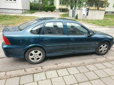 gebraucht Opel Vectra B Edition 2000, zweite Hand 10...