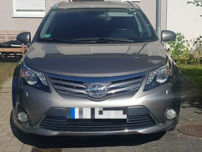 used Toyota Avensis Combi 1.8 Multidrive S Edition (2014)