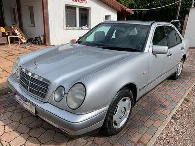gebraucht Mercedes E240 E-Klasse Lim. (BM 210)