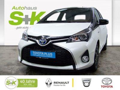 used Toyota Yaris Hybrid Style Selection White **