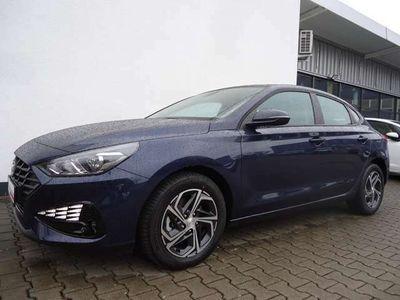 gebraucht Hyundai i30 Fastback 1.0 T-GDI Trend*CarPlay*DAB* Klima
