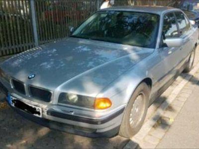 käytetty BMW 501 E38 740IPS V8 LPG GAS GEPFLEGT VOLL OLDSCHOOL