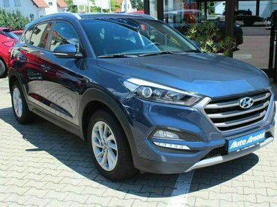 gebraucht Hyundai Tucson blue 1.7 CRDi 2WD DCT Trend*AHK*Automatik