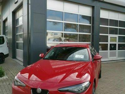 gebraucht Alfa Romeo Giulia Veloce 2.0L AT8 Q4 als Limousine in Ettlingen