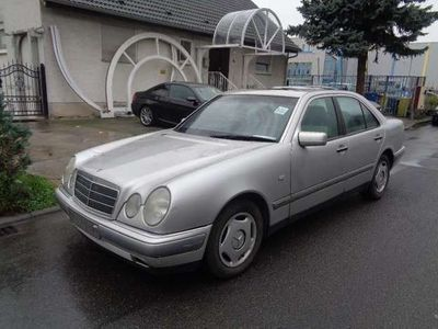 gebraucht Mercedes E220 Elegance
