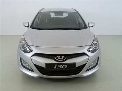 gebraucht Hyundai i30 CW 1.4 CRDi Trend SZH+Tempomat