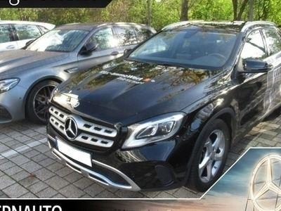 gebraucht Mercedes GLA180 Urban KEYLESS-GO