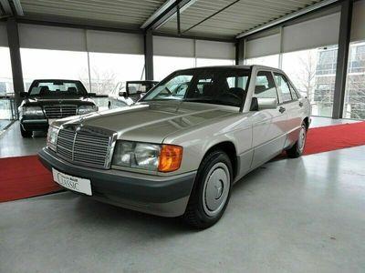 gebraucht Mercedes 190 -2.0 51500 km, Schiebedach, Scheckheft