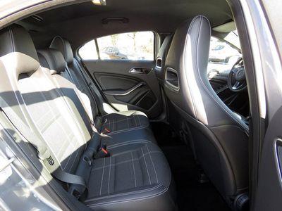 gebraucht Mercedes A180 Urban Automatik Navi Parkassist. Einparkh.