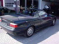 gebraucht BMW 320 Cabriolet i dunkelgrün &Dach grün