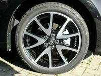 gebraucht Toyota Yaris Hybrid Style 1.5 Dual-VVT-iE EU6d LED Keyless HUD ACC...