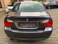 gebraucht BMW 318 i Lim. (E90) KLIMAAUTOMATIK