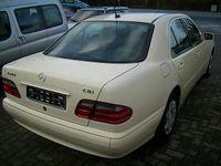 gebraucht Mercedes E200 CDI Classic