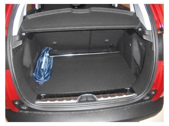 vendido peugeot 2008 allure 1 2 puret coches usados en. Black Bedroom Furniture Sets. Home Design Ideas