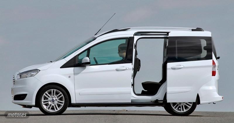 Vendido ford transit courier kombi tr coches usados en for Coches con puertas correderas