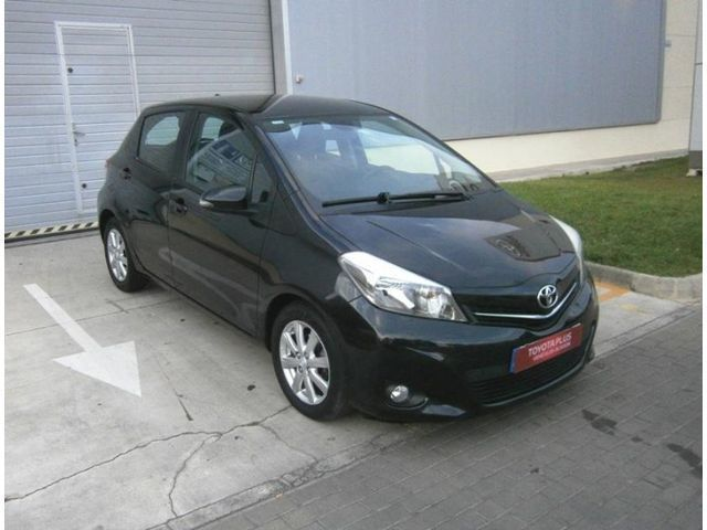 vendido toyota yaris 90d active coches usados en venta. Black Bedroom Furniture Sets. Home Design Ideas
