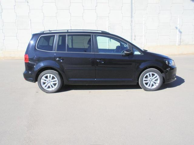 vendido vw touran 1 6 tdi 105 cv adv coches usados en venta. Black Bedroom Furniture Sets. Home Design Ideas